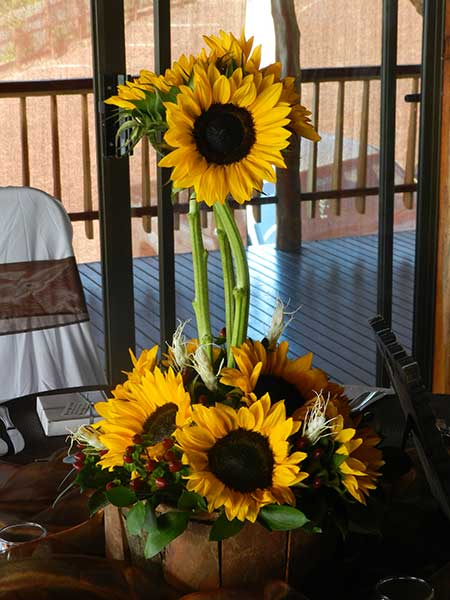 Guest table – sunflowers